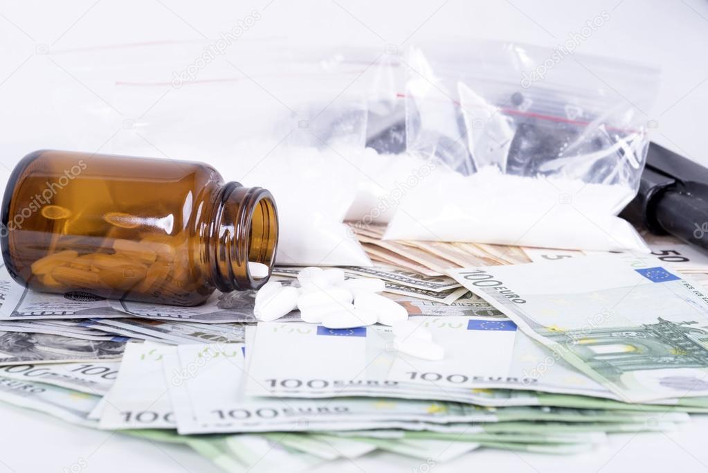 stupefacenti droga sequestro denaro nesso